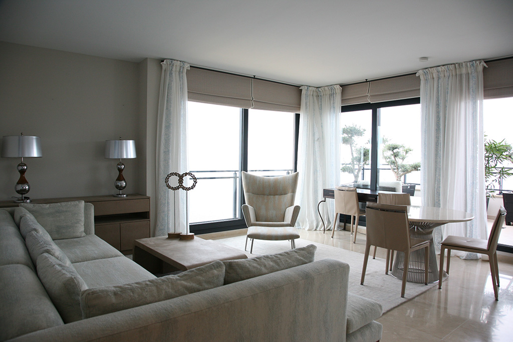 Merveilleux Holiday Apartment With Sea View And Barbecue Terrace. Modern Scandinavian  Components Mixed With Italian Design. Light And Used Look Fabrics In Light  Blue ...
